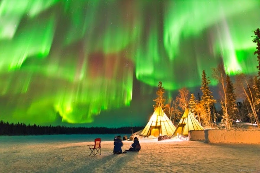 Dazzling-Displays-of-Aurora-Borealis-Dance-Across-the-Night-Sky